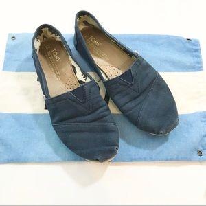 ** Toms ** dark blue